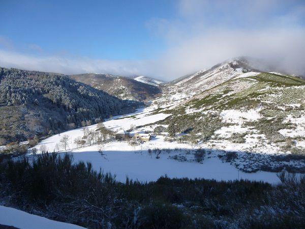 les cabanes sous la neige
